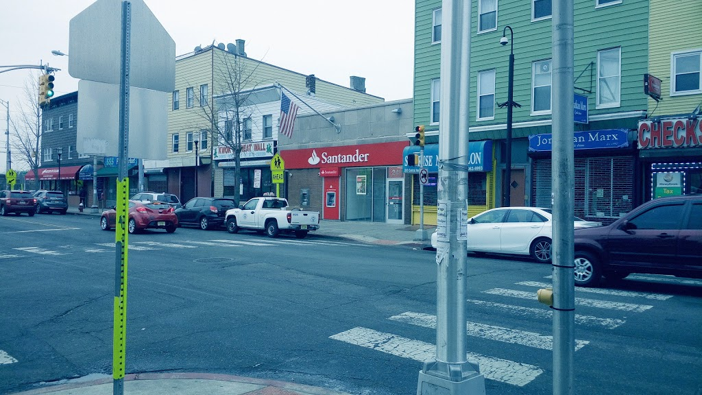 Santander Bank | insurance agency | 241 Central Ave, Jersey City, NJ 07307, USA | 2017957742 OR +1 201-795-7742