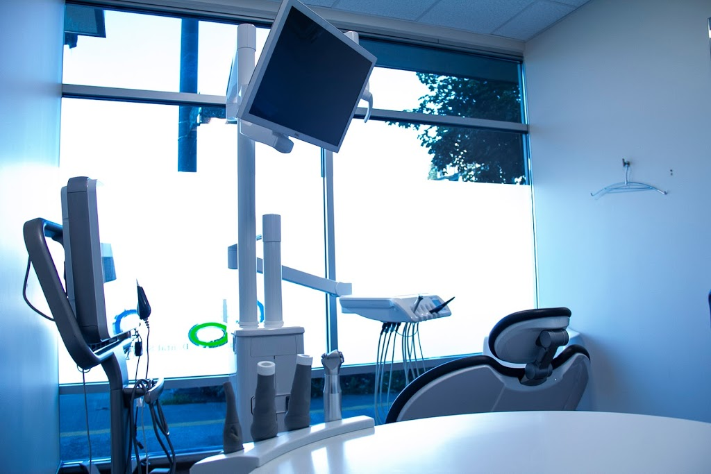 Glo dental studio | insurance agency | 3295 SW Avalon Way, Seattle, WA 98126, USA | 2064566263 OR +1 206-456-6263